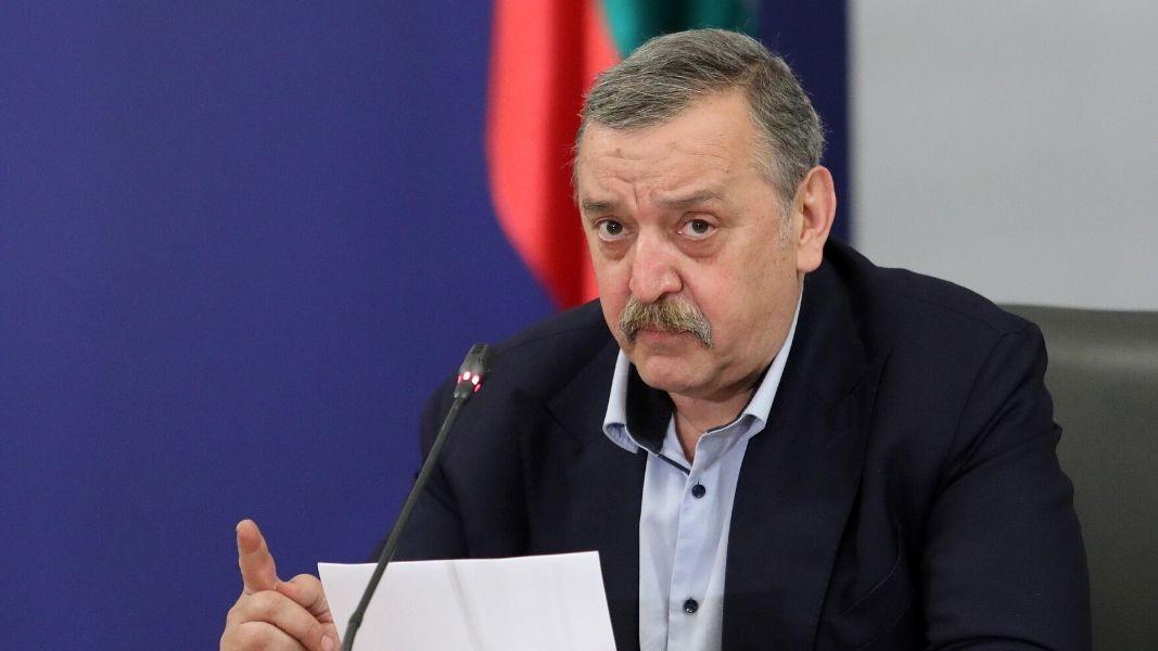 Проф. Кантарджиев: Тенденциите са смущаващи, надценил съм самосъзнанието на  хората - От деня - БНР Новини