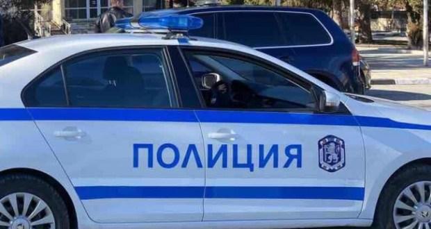 Позор: Полицаи арестуваха гладна от няколко дена жена за 2 кренвирша