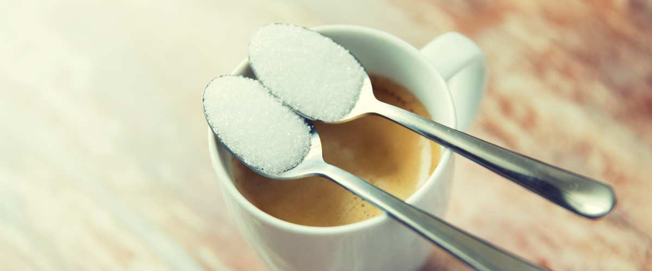 захар в кафето