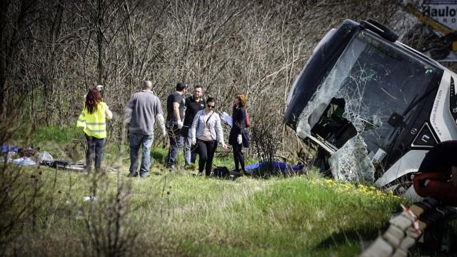"""Черен петък: 6 жертви и над 20 ранени при катастрофа с автобус на АМ  """"Тракия"""" (ОБЗОР) - bTV Новините"""