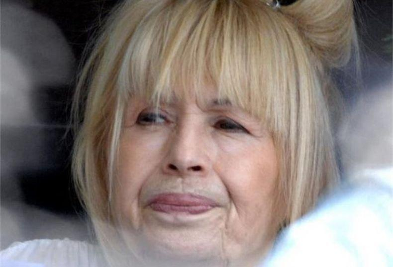 Страшна драма за Лили Иванова в Бургас! Някой открадна буркана й с мед и  сребърната лъжичка - Информационна агенция ПИК