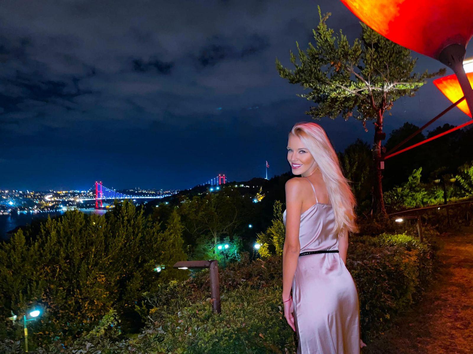 Натали Трифонова Истанбул